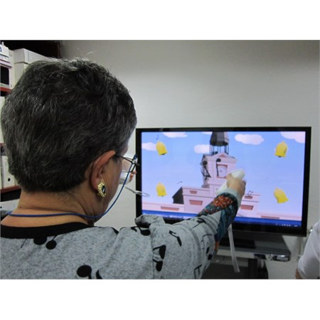 "Developing a system of ACTIVE therapy based on physical exercise to enable strengthening of muscles in Parkinson's sufferers through leasure and New Information and Communication Technologies ""ACTIVA"""